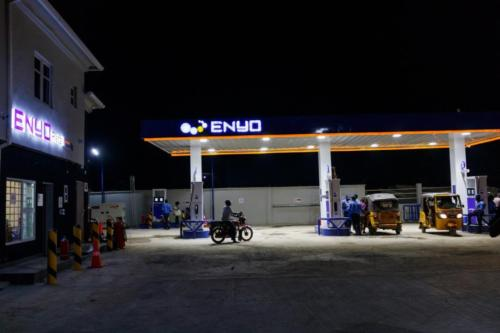 ENYO retail station Canopy sign002