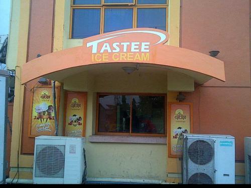 Tastee Ice Cream002